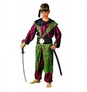 Disfarce Samurai menino para deixar voar a sua imagina??o