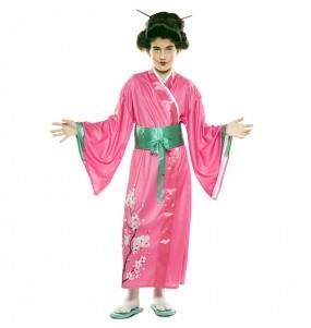 Disfarce Japonesa menina para que eles sejam com quem sempre sonharam