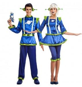 O casal alienígena original e engraçado para se disfraçar com o seu parceiro