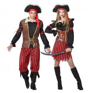 O casal capitães de pirata original e engraçado para se disfraçar com o seu parceiro