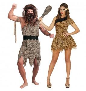 O casal cavernas primitivos original e engraçado para se disfraçar com o seu parceiro