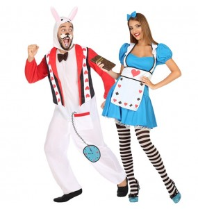 O casal Alice o País das maravilhas original e engraçado para se disfraçar com o seu parceiro