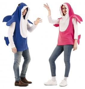 O casal Baby Shark original e engraçado para se disfraçar com o seu parceiro