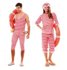 O casal banhistas vermelhos original e engraçado para se disfraçar com o seu parceiro