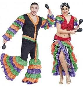 O casal Brasileiros original e engraçado para se disfraçar com o seu parceiro