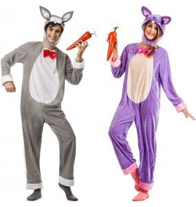 O casal Coelhos da floresta original e engraçado para se disfraçar com o seu parceiro