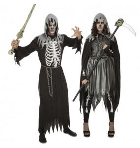 O casal executores de morte original e engraçado para se disfraçar com o seu parceiro