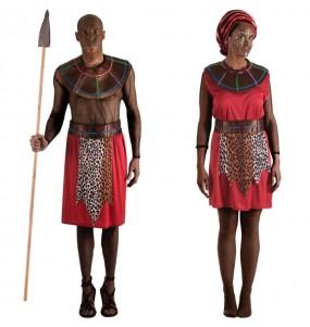 O casal Guerreiros Massai original e engraçado para se disfraçar com o seu parceiro