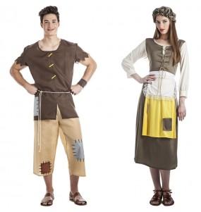 O casal Mendigos idade média original e engraçado para se disfraçar com o seu parceiro