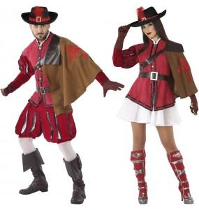 O casal Mosqueteiros elegantes original e engraçado para se disfraçar com o seu parceiro
