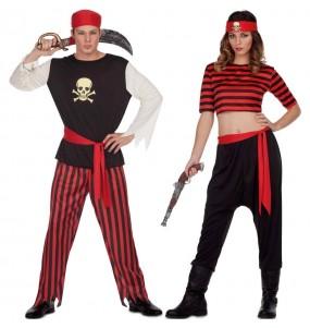 O casal pirata de caveira original e engraçado para se disfraçar com o seu parceiro