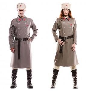 O casal russo soviético original e engraçado para se disfraçar com o seu parceiro
