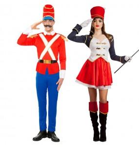 O casal Soldadinho Chumbo e Majorette original e engraçado para se disfraçar com o seu parceiro