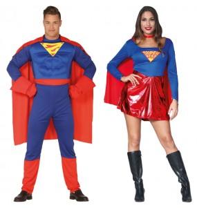 O casal Super-heróis Superman original e engraçado para se disfraçar com o seu parceiro