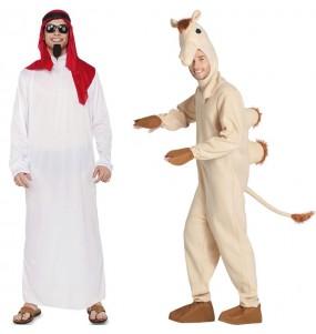 O casal Sheikh Árabe e Camelo original e engraçado para se disfraçar com o seu parceiro