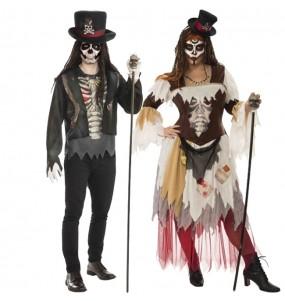 O casal bonecos de vodu original e engraçado para se disfraçar com o seu parceiro