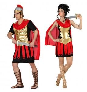 O casal guerreiros romanos original e engraçado para se disfraçar com o seu parceiro