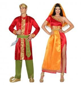 O casal Hindu Bollywood Star original e engraçado para se disfraçar com o seu parceiro